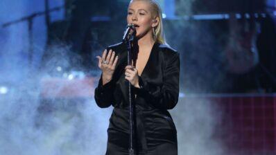 Découvrez l'émouvant hommage de Christina Aguilera à Whitney Houston aux American Music Awards (VIDEO)