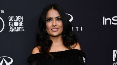 Salma Hayek : à 52 ans, naïade ultra glamour sur Instagram (PHOTOS)
