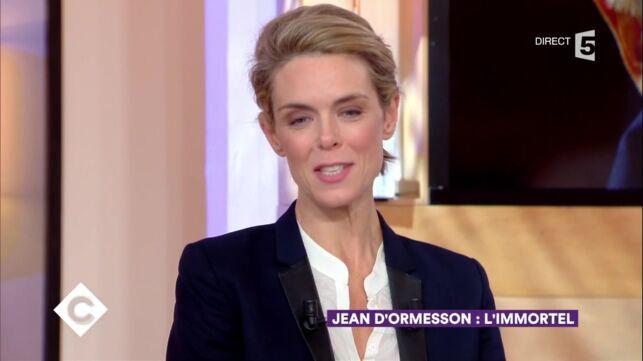 C à Vous : Julie Andrieu, émue, évoque sa conversation avec Jean D'Ormesson la veille de son décès (VIDEO)