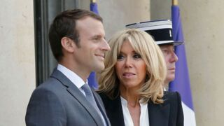 Rentrés de vacances, Emmanuel et Brigitte Macron remercient leurs hôtes...