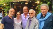 En vacances, François Hollande pose avec Julie Gayet, Michel Drucker et Charles Aznavour (PHOTOS)