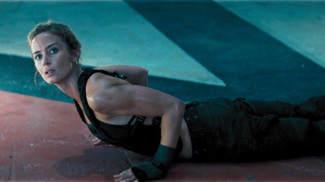 L'Actrice du dimanche : Emily Blunt (Edge Of Tomorrow), star badass, épouse comblée (25 PHOTOS)