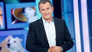 """Christophe Dechavanne aux commandes du jeu """"Les Extraordinaires"""" sur TF1"""