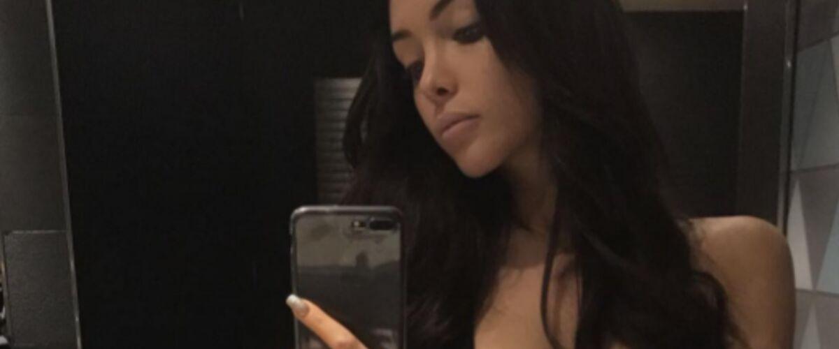 Instagram Selfie Maillot Sexy En ÉchancréSon Nabilla De Bain Sur 5jcLqS34AR