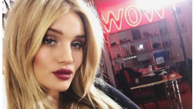 Rosie Huntington-Whiteley enceinte : la top model annonce sa grossesse en bikini (PHOTO)