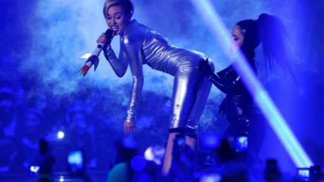 Miley Cyrus attaquée en justice au Mexique pour une fessée !