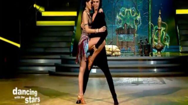 Danse avec les stars : Leila Ben Khalifa très sexy sur une samba (VIDEO)