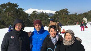 Zinédine Zidane à la neige avec son épouse et ses parents