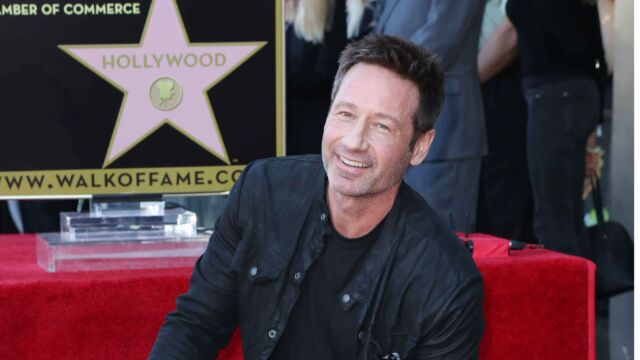 David Duchovny inaugure son étoile sur Hollywood Boulevard
