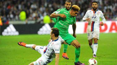 Ligue 1 : Nice enchaîne, Monaco prend l'eau, le VAR superstar... le récap de la soirée