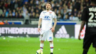 Ligue 1 : Mathieu Valbuena jette le portable d'un supporter lyonnais