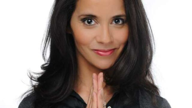 Jusqu'ici tout va bien : Sophia Aram ne baisse pas les bras (VIDEO)