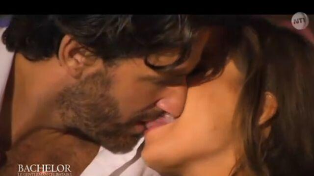 Un premier baiser fougueux dans le Bachelor (VIDEO)