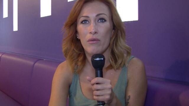 """Gaëlle (Les Ch'tis) : """"Je n'ai pas ma place au Festival de Cannes"""" (VIDEO)"""
