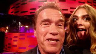 Emilia Clarke et Jake Gyllenhaal imitent à la perfection Arnold Schwarzenegger (VIDEO)