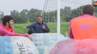 Lionel Messi et Luis Suarez testent le bubble-foot ! (VIDEO)
