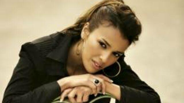 Nâdiya recrutée par Syfy