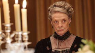 Downton Abbey : Maggie Smith est ravie d'enlever son corset