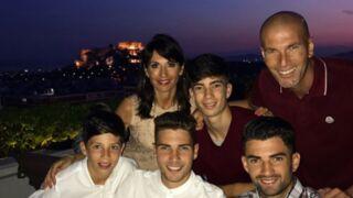 Toute la famille Zidane fête l'anniversaire de Zizou en Grèce ! (PHOTOS)