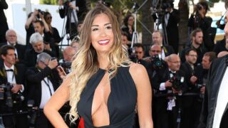 Cannes 2015 : Décolleté incendiaire et robe fendue pour Martika du Bachelor (PHOTOS)