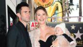 Trop chou ! Adam Levine consacré avec femme et bébé sur Hollywood Boulevard (PHOTOS)