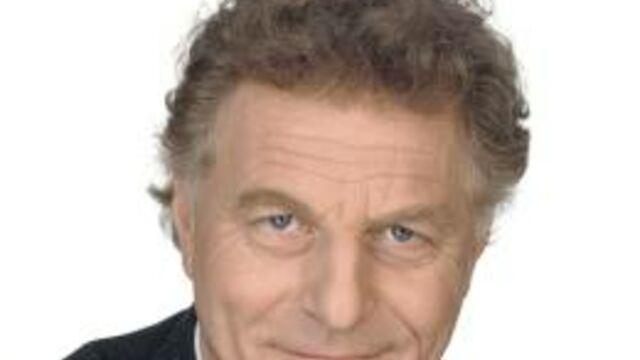 Robert Namias part, Jean-Claude Dassier prend du galon