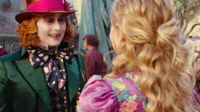 Alice de l'autre côté du miroir : retrouvailles étonnantes entre Alice et le Chapelier Fou (EXCLU VIDEO)