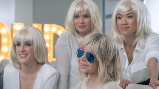Alizée embauche sa fille dans son clip Blonde (VIDEO)
