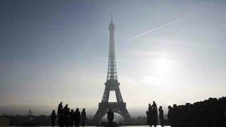Terrorisme : la Tour Eiffel va bientôt être clôturée par un mur anti-balles !