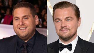 Leonardo DiCaprio imite un paparazzi pour effrayer Jonah Hill… Et c'est très drôle ! (VIDÉO)