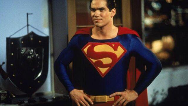 Superman rendra visite à Supergirl !