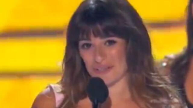 Teen Choice Awards : Lea Michele (Glee), en larmes, dédie son prix à Cory Monteith
