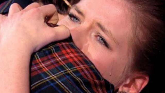 Mika fait pleurer les filles ! (VIDÉOS)