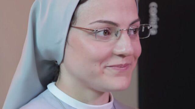 Sœur Cristina face aux jurés de Nouvelle Star (VIDEOS)