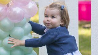 La princesse Charlotte d'Angleterre joue mieux au foot que… Baby George !