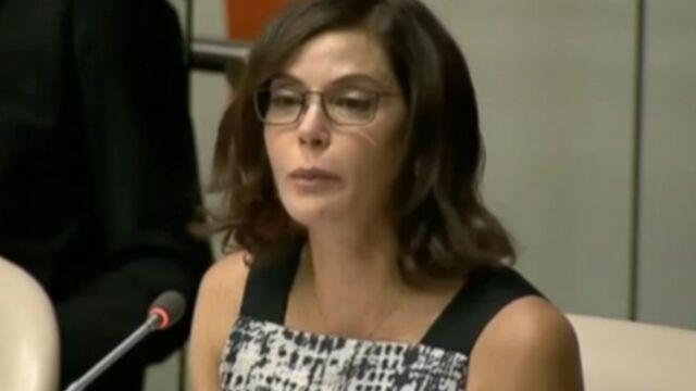 Violences faites aux femmes : Teri Hatcher en larmes à l'ONU (VIDEO)