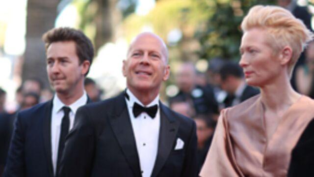 Première montée des marches : Bruce Willis très applaudi !