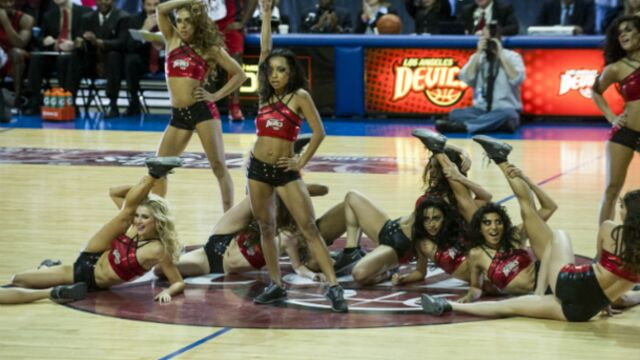 Après Desperate Housewives et Devious Maids, Marc Cherry s'intéresse aux cheerleaders