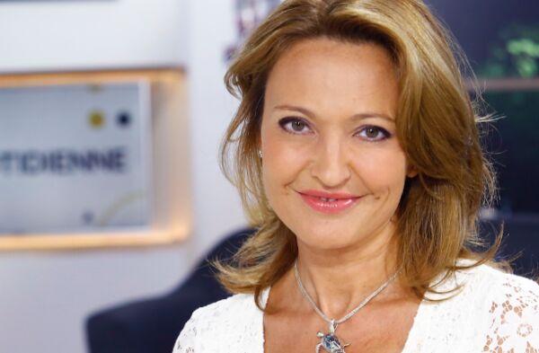 France 5 : Maya Lauqué, enceinte, remplacée par Valérie Durier