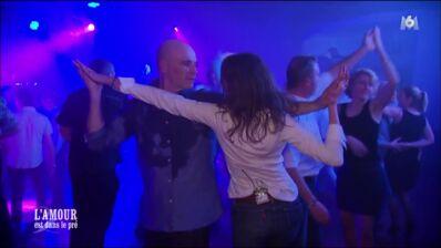 L'amour est dans le pré : la folle soirée de Didier amuse les internautes, l'attitude de Julie choque (REVUE DE TWEETS)