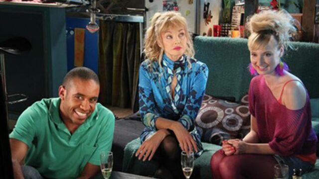 Sondage : trouvez-vous Nos chers voisins plus drôle que Scènes de ménages ?