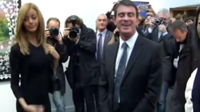 Zahia a fait rougir Manuel Valls (VIDEO)
