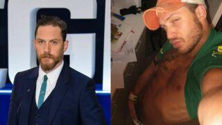"""Tom Hardy n'a pas honte de ses photos de lui en slip, au contraire, il se trouve """"superbe"""" !"""