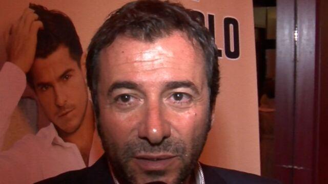 L Ete De Bernard Montiel Au Pyla Sur Mer Video Videos Tele 2 Semaines
