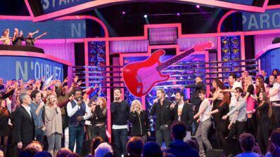 """Exclu. N'oubliez pas les paroles : les invités du prime reprennent avec Nicoletta le tube """"La Musique"""" (VIDEO)"""