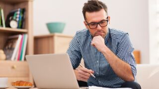 En quête d'actualité (D8) : quelles astuces pour trouver du travail ?
