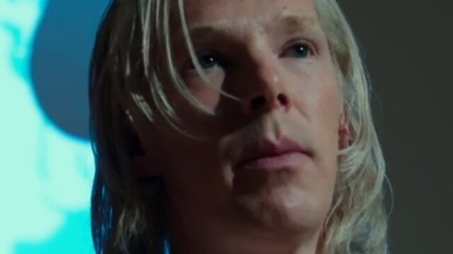 Benedict Cumberbatch (Sherlock) se métamorphose en Julian Assange (VIDEO)
