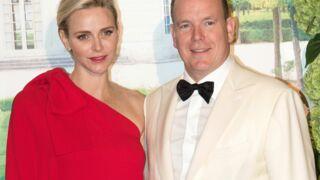 Charlène et Albert de Monaco illuminent le 67e gala de la Croix-Rouge (17 PHOTOS)