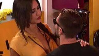 Secret Story 8 : Le (faux) secret de Nathalie et Vivian dévoilé, Leïla craque sur Steph...