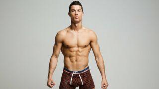 Cristiano Ronaldo se met... presque à nu pour sa nouvelle campagne de pub !